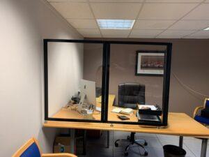 Countertop Two-Panel Screen